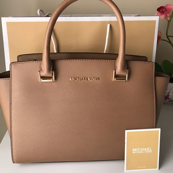 ❗️PRICE FIRM ❗️NWT MICHAEL KORS SELMA SATCHEL NWT